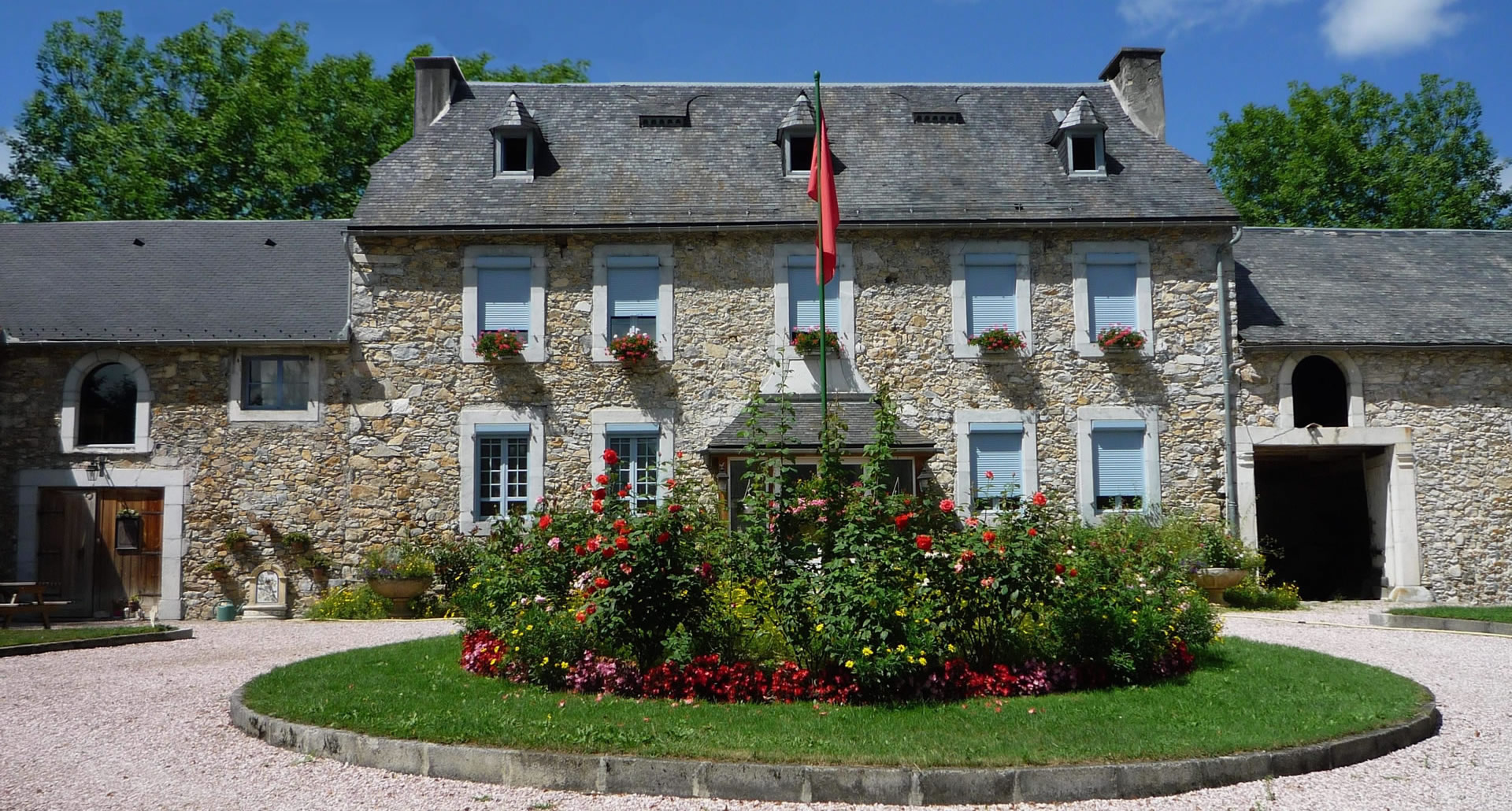 Chambre d h te lannemezan hautes pyr n es 65 domaine vega for Maison hote pyrenees